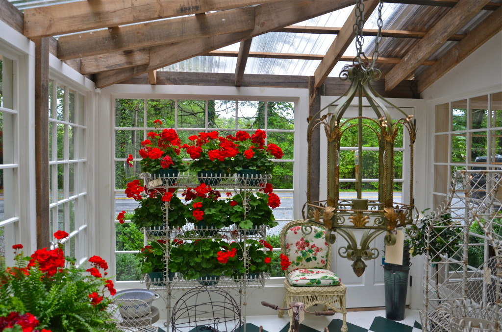 And oh, that green house—great place for a luncheon or dinner party